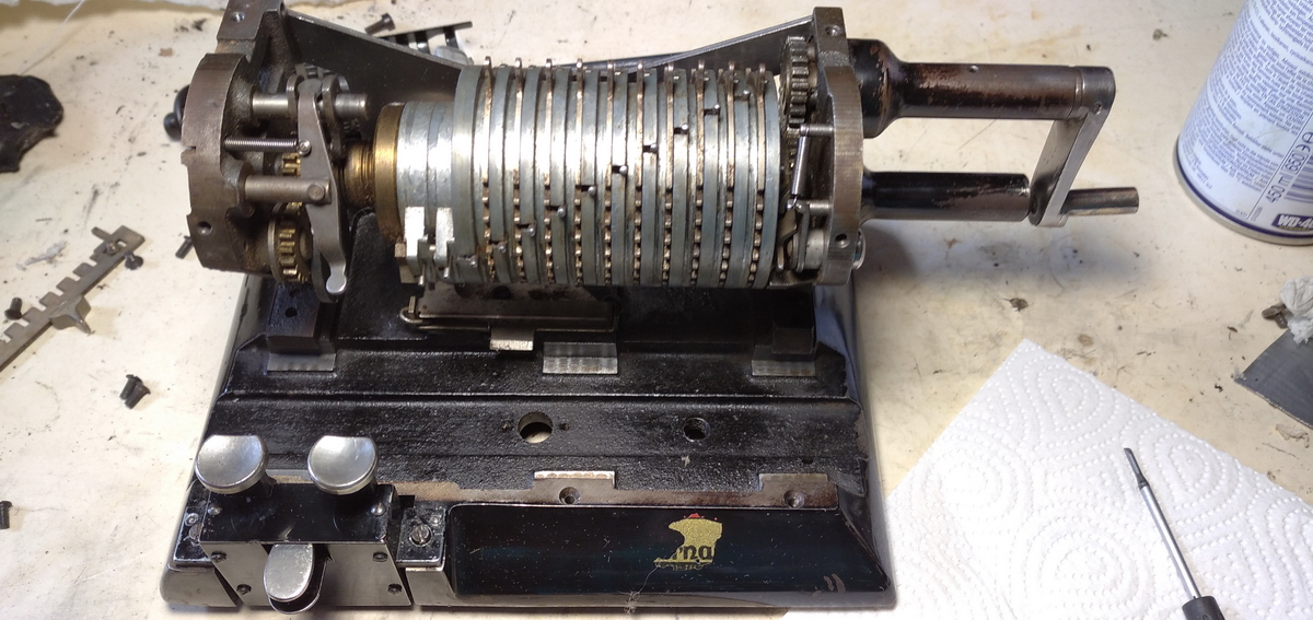 Original Odhner 27 calculator picture 1